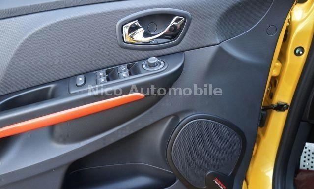 Renault Clio IV 1.6 Turbo RS 200 Jaune 7.jpg