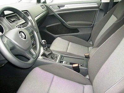 VW Golf VII 1.6 Tdi 105 Trendline Blanche 4.JPG