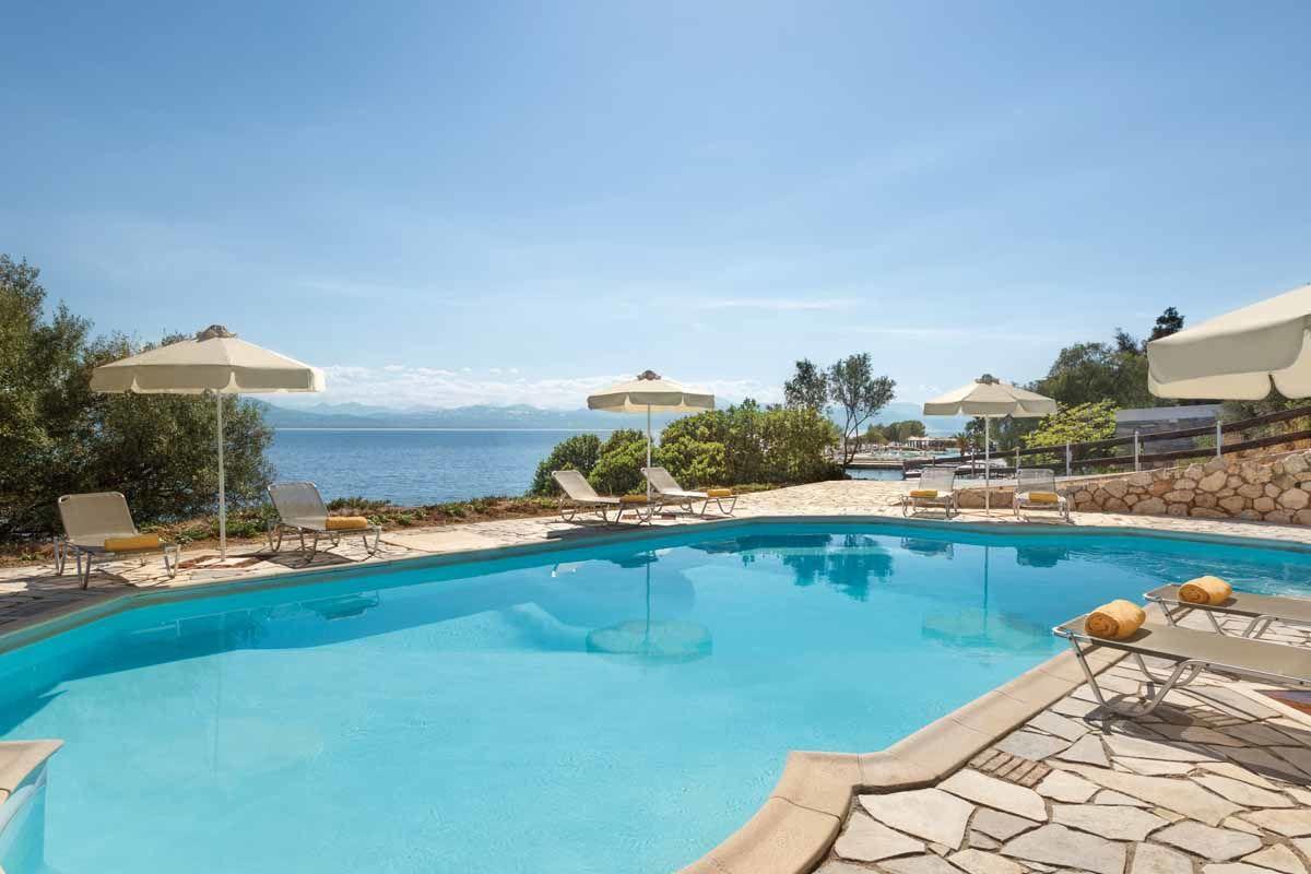 club-heliades-ramada-poseidon-resort-piscine-02.jpg